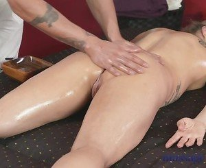 Massage Rooms Horny MILF gets cream pie
