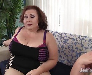 Bella Bendz and Lady Lynn lesbian sex