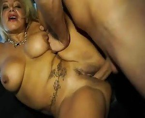 Horny Latin mature fucking in a taxi