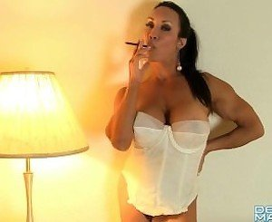 denise masino muscle female smoking