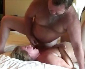 Horny couple create their first sex tape