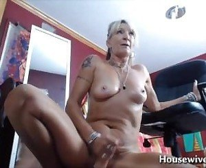 Dirty talking horny pornstar mom Mrs Robinson