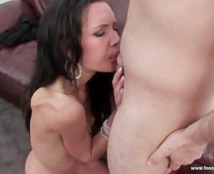 Amazing young mom gives nice head