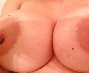I want u to cum to my pics,, please comment if u came tributes are welcomed