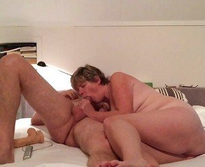 Amateur wife sucks and fucks hubby&#039,s friend