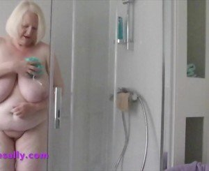 Watch Mature Sally naked and curvy