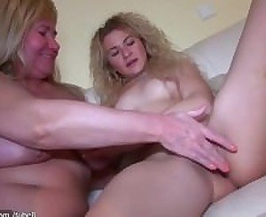 Hot! Teenn masturbating their pussy and using dildo